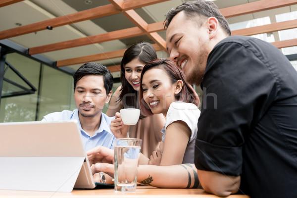 Foto stock: Grupo · cuatro · jóvenes · Asia · personas · sesión