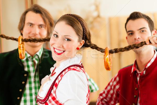 Młodych ludzi tradycyjny restauracji publikacji Zdjęcia stock © Kzenon