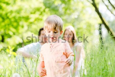 Moeder baby weide borstvoeding groot Stockfoto © Kzenon