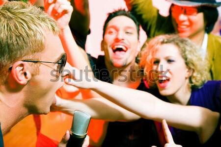 éljenez tömeg diszkó klub kő bálvány Stock fotó © Kzenon