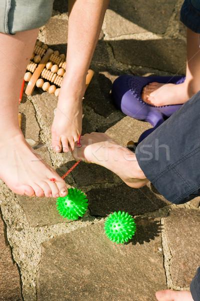 Saludable pies gimnasia hombres mujeres diferente Foto stock © Kzenon