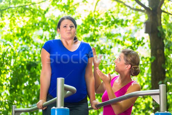 беременна тучный женщину тренировки спорт фитнес Сток-фото © Kzenon
