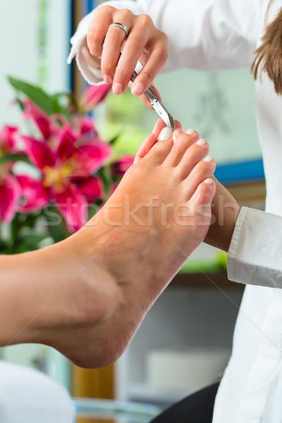 Vrouw nagel studio pedicure dag spa Stockfoto © Kzenon