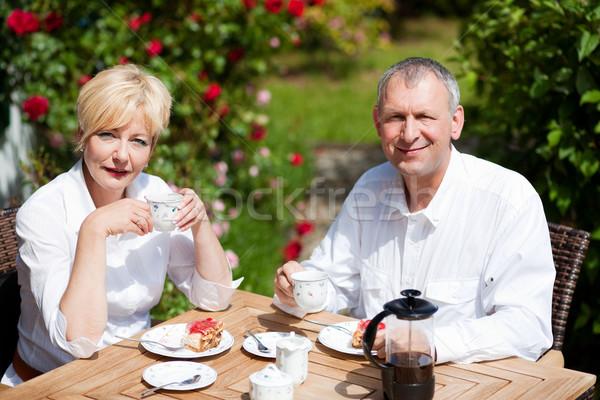Dojrzały para kawy weranda starszy para Zdjęcia stock © Kzenon
