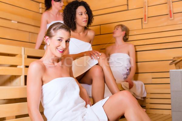 Femme bien-être perfusion sauna spa Photo stock © Kzenon