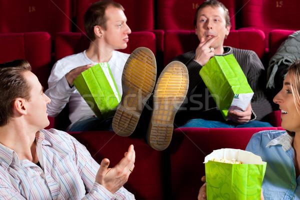 Foto d'archivio: Persone · cinema · teatro · mangiare · cinque · persone · Coppia