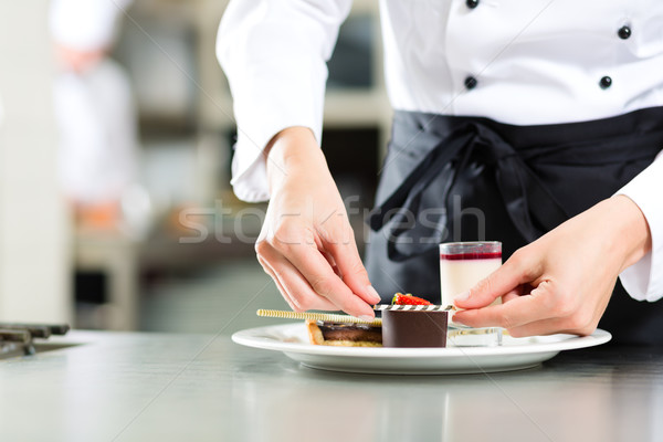 Stockfoto: Kok · gebak · chef · hotel · restaurant · keuken