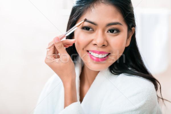 Asiático mulher banheiro casa menina Foto stock © Kzenon