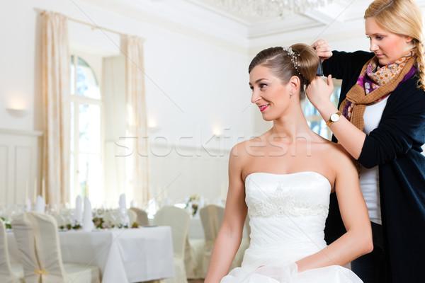Styliste up mariées coiffure femme femmes Photo stock © Kzenon