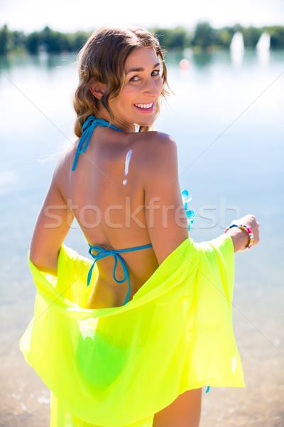 Donna bikini spiaggia lago acqua estate Foto d'archivio © Kzenon