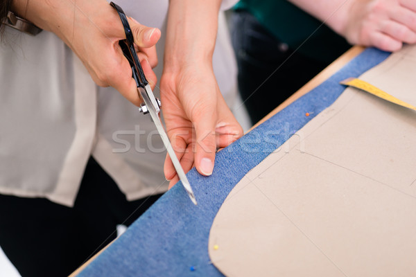 подробность рук ножницы портной магазин Сток-фото © Kzenon