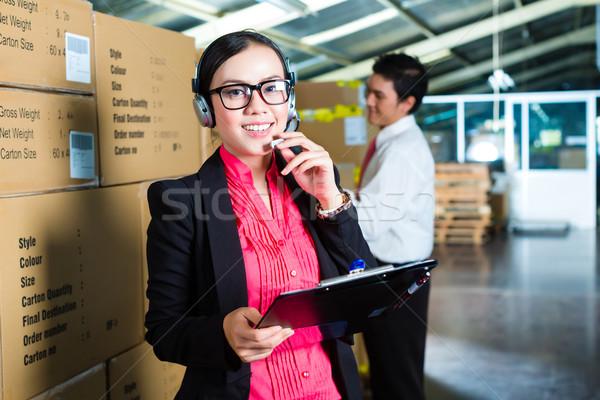 Photo stock: Service · clients · entrepôt · jeune · femme · costume · casque · collègue