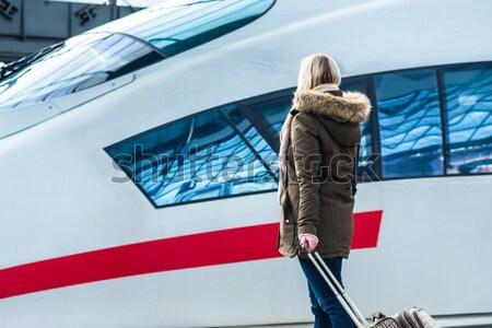 женщину ждет поезд Камера станция готовый Сток-фото © Kzenon