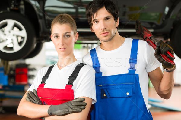 Stock fotó: Autó · mechanika · férfi · női · autó · fiatal · nő