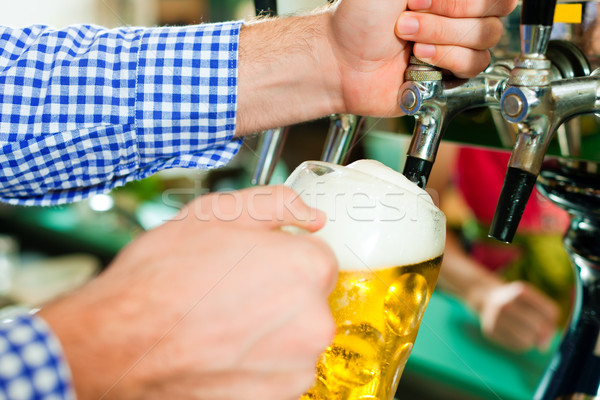 男 図面 ビール タップ パブ 宿 ストックフォト © Kzenon