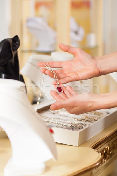 женщины ювелирных дизайнера магазине женщину Сток-фото © Kzenon