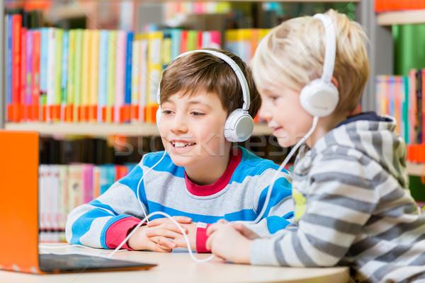 子供 ライブラリ リスニング オーディオ 図書 ヘッドホン ストックフォト © Kzenon