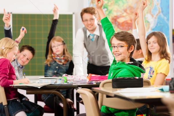 Oktatás iskolás tanár tanul iskola alapfokú Stock fotó © Kzenon