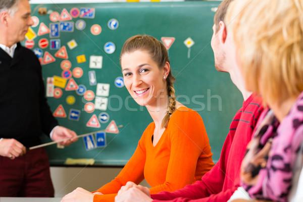 Rijden instructeur klasse school vrouwelijke student Stockfoto © Kzenon