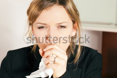 Kobieta kaszel zimno chusteczka twarz Zdjęcia stock © Kzenon