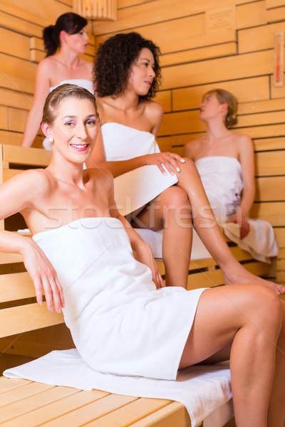 Femme bien-être perfusion sauna chaud Photo stock © Kzenon