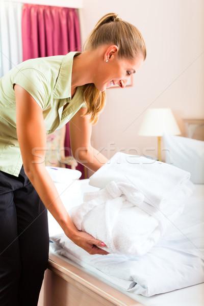 Foto stock: Empregada · serviço · de · quarto · hotel · para · cima · mulher