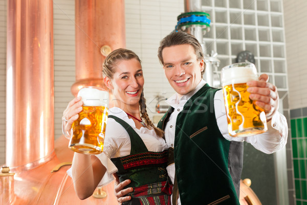 Férfi nő sör üveg sörfőzde szemüveg Stock fotó © Kzenon