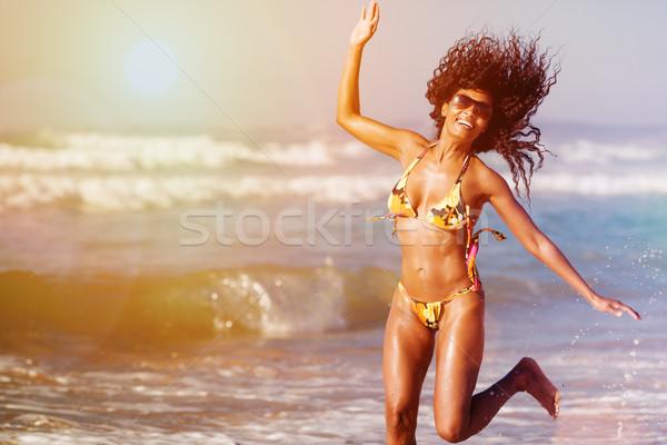 женщину пляж Летние каникулы лет отпуск ходьбе Сток-фото © Kzenon