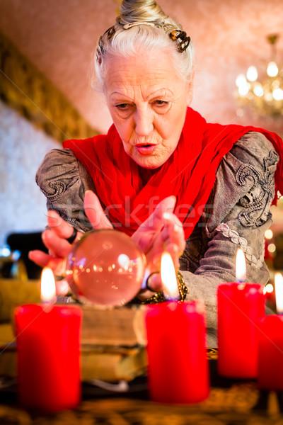 Ezoterik crystal ball kadın gelecek bakıyor cevap Stok fotoğraf © Kzenon