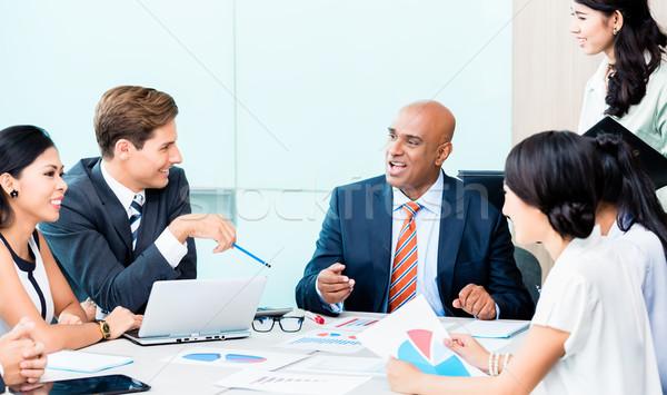 Diversità squadra business sviluppo riunione classifiche Foto d'archivio © Kzenon