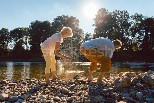 Doua senior oameni simplitate Imagine de stoc © Kzenon