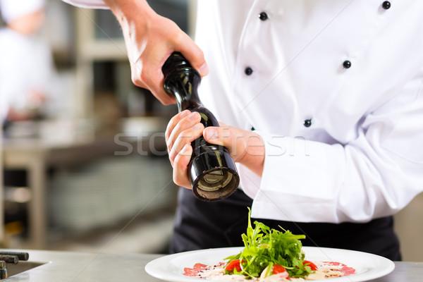 Stock fotó: Szakács · hotel · étterem · konyha · főzés · kezek
