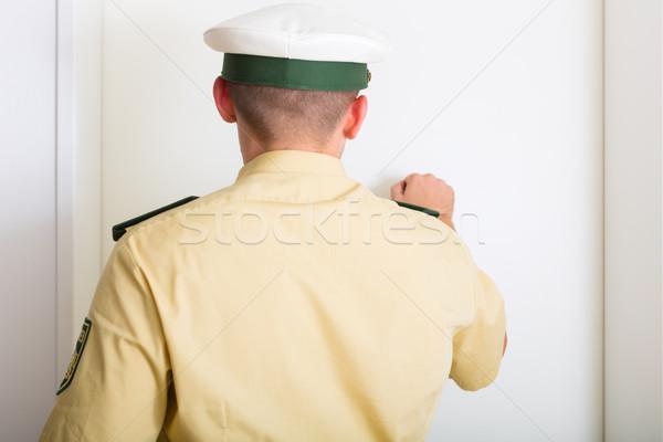 警察官 フロントドア ホーム 男 警察 制御 ストックフォト © Kzenon