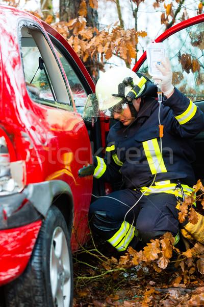 Baleset tűz áldozat autó tűzoltó fa Stock fotó © Kzenon