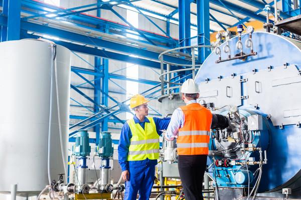 Munkás menedzser ipari gyári munkás gyár megbeszél Stock fotó © Kzenon