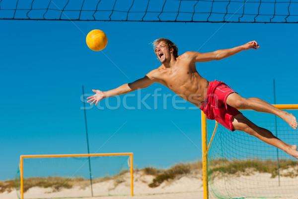 Foto stock: Praia · voleibol · homem · saltando · jogar · mergulho