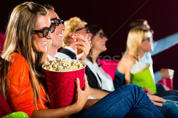 Jóvenes viendo 3D película teatro sonrisa Foto stock © Kzenon