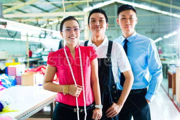 Işçi müdür tasarımcı Çin fabrika vardiya Stok fotoğraf © Kzenon