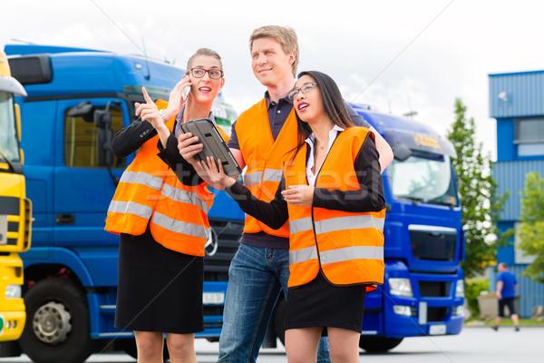 Foto stock: Camiones · logística · orgulloso · conductor · colegas
