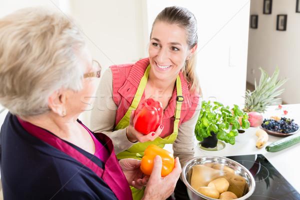 Madre ley corregir cocina Foto stock © Kzenon
