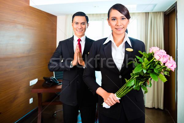 Foto stock: Asiático · saudação · flores · retrato · mulher
