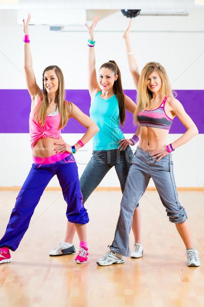 Stok fotoğraf: Dansçı · zumba · uygunluk · eğitim · dans · stüdyo