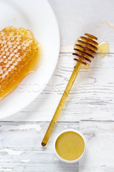 Saboroso orgânico mel favo de mel lábio bálsamo Foto stock © laciatek