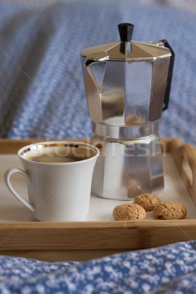Koffie amandel cookies houten dienblad drinken Stockfoto © laciatek