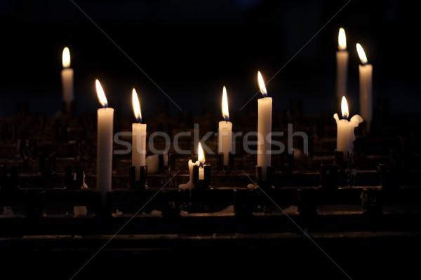 Cera oração velas luz fundo igreja Foto stock © laciatek