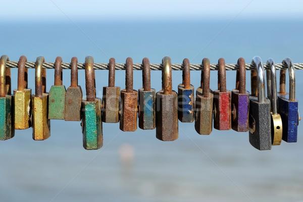 Kleurrijk liefde hart kunst groene brug Stockfoto © laciatek