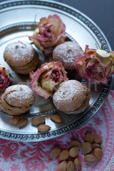 Vintage steeg chocolade rozen witte zoete Stockfoto © laciatek