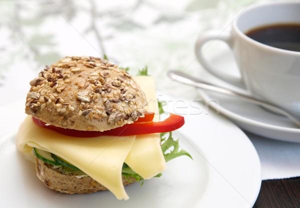 Sandwich rouler fromages plaque déjeuner salade Photo stock © Laks