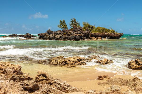 Сток-фото: небольшой · известняк · острове · побережье · пляж