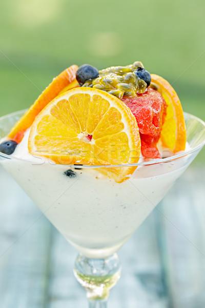 Eper szörbet martini trópusi gyümölcsök fagylalt Stock fotó © LAMeeks